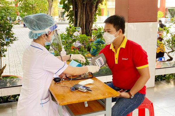 Chuỗi VinMart, VinMart+ tiêm vaccine cho hơn 6.500 CBNV, góp phần đảm bảo mục tiêu kép